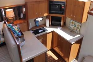 39' Cruisers Yachts 396 Motoryacht 2007 Galley