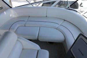 39' Cruisers Yachts 396 Motoryacht 2007 Cockpit Seating