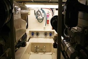 53' Monterey Custom Sportfish 1978 Engine Room