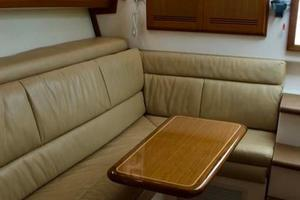 35' Cabo 35 Express 2006 Dinette