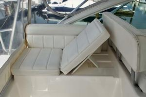 35' Cabo 35 Express 2006 Lounge
