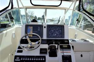 Pursuit-3070-Offshore-2003--Long-Island-New-York-United-States-Helm-930269