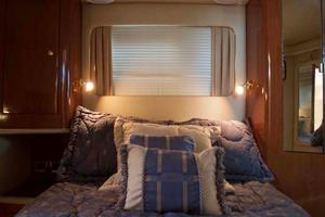 photo of Sea-Ray-420-Aft-Cabin-2000-YOLO-Long-Island-New-York-United-States-Master-Stateroom-930334