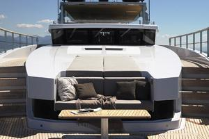 126' Admiral impero 2016 Bow