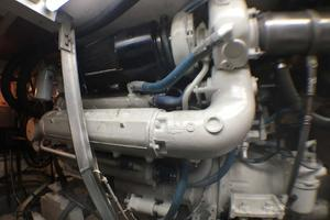 52' Hatteras Convertible 1990 Starboard Detroit Engine