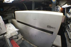 52' Hatteras Convertible 1990 Generator in Soundshield