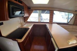 52' Hatteras Convertible 1990 Galley