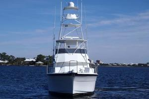 52' Hatteras Convertible 1990 Bow
