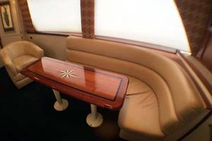 52' Hatteras Convertible 1990 Varnished Table and Blinds Down
