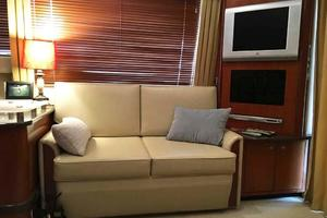 42' Sea Ray 420 Sedan Bridge 2005 Starboard Couch