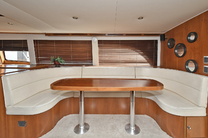 50' Naval Yachts 50 Yacht Cat 2011 Dinette