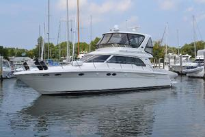 48' Sea Ray  2004 Port Side