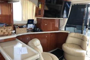 48' Sea Ray  2004 Salon and Flatscreen TV