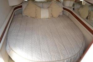 48' Sea Ray  2004 Guest Stateroom