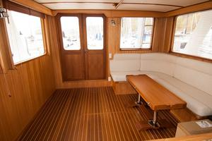 49' DeFever 49 Pilothouse 2018 Saloon