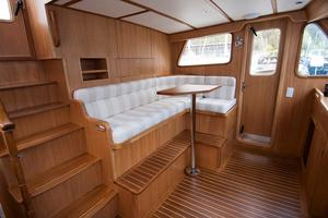 49' DeFever 49 Pilothouse 2018 PH Seating