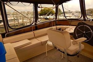 46' Silverton Motor Yacht 1990 Bridge seating