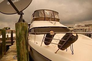 46' Silverton Motor Yacht 1990 Looking aft