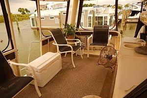 46' Silverton Motor Yacht 1990 Aft deck seating