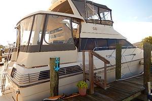 46' Silverton Motor Yacht 1990 Large aft deck