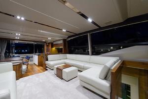 68' Princess Flybridge 68 Motoryacht 2015 MainSalon