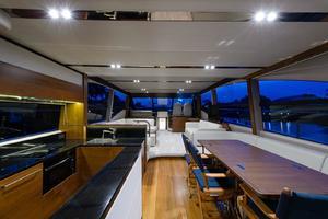 68' Princess Flybridge 68 Motoryacht 2015 MainSalonDining