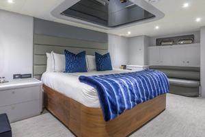 110' Horizon  2000 VIP Stateroom