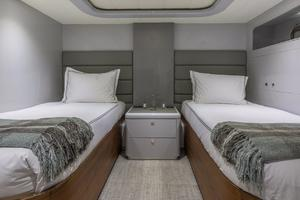 110' Horizon  2000 Twin Guest Stateroom 1
