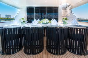 110' Horizon  2000 Aft Deck Dining