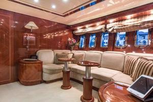 79' Leopard  2000 Main Salon