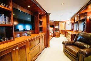 150' Richmond Yachts Tri-Deck Motor Yacht 2010 MASTER LOUNGE