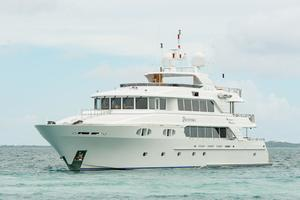 150' Richmond Yachts Tri-deck Motor Yacht 2010 AT ANCHOR PORT