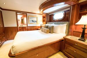 150' Richmond Yachts Tri-Deck Motor Yacht 2010 VIP STATEROOM