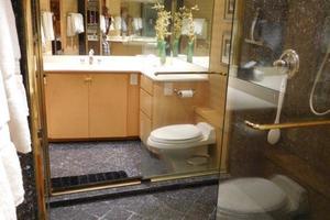 100' Broward Raised Pilothouse 2000 His & Hers Master Shower