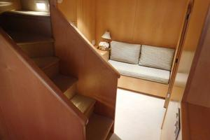 100' Broward Raised Pilothouse 2000 Forward VIP Suite - Private Access