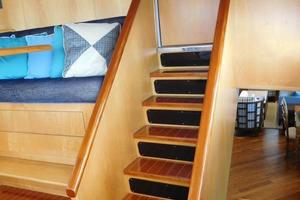 100' Broward Raised Pilothouse 2000 Pilothouse Stairs to Flybridge