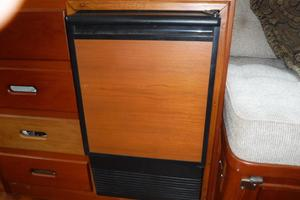 42' Grand Banks 42 Classic 1984 Icemaker
