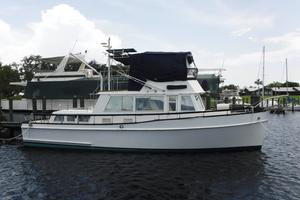 42' Grand Banks 42 Classic 1984 Starboard view