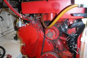 42' Grand Banks 42 Classic 1984 Engine