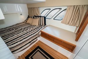 47' Intrepid 475 Sport Yacht 2014 Master Stateroom to Port