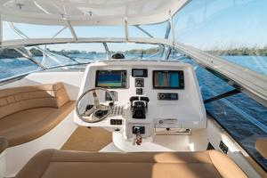 47' Intrepid 475 Sport Yacht 2014 Helm