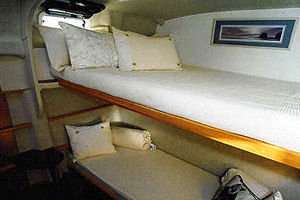 65' Woodwind Kurt Hughes Custom Ca  1999 Cabin3