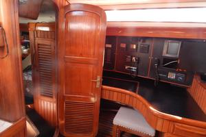 52' Hans Christian Christina 52 1992 Entrance to midship cabin