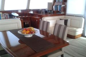 62' Sunreef 62 2006 Salon/Dinette