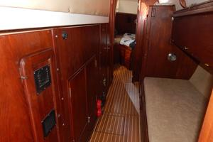46' Morgan 462 1981 Engine access