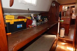 46' Morgan 462 1981 work bench