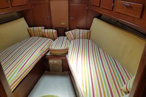 53' Amel Super Maramu 1995 Forward Cabin