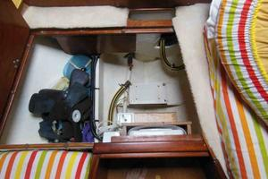 53' Amel Super Maramu 1995 Forward Cabin anchor wash-down pump