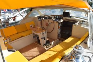 53' Amel Super Maramu 1995 Cockpit