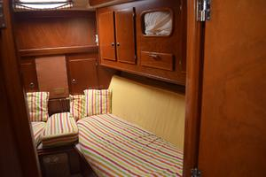 53' Amel Super Maramu 1995 Forward cabin-2